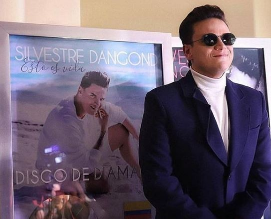 Silvestre Dangond recibe 5 Discos Diamante
