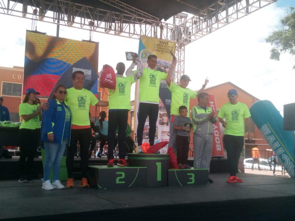 David Canchanya de Perú y la keniata Kiptoo Jepkemoi dominaron  este sábado la XXVII  Carrera Atlética Internacional de Soacha