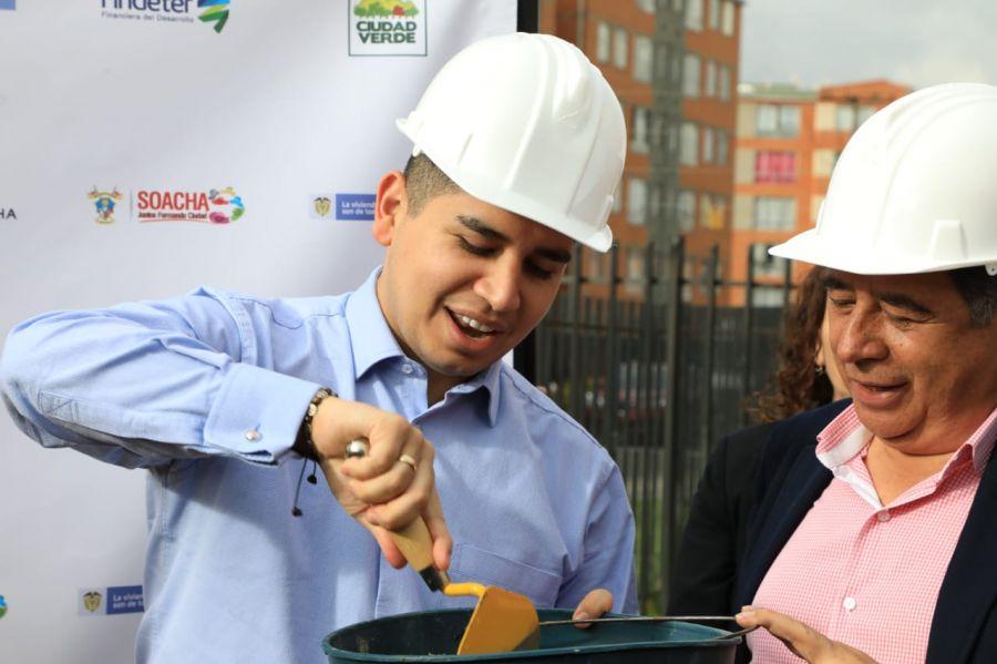 Gobierno Nacional puso la Primera piedra de uno de los cinco colegios más grandes del país en proyectos de vivienda