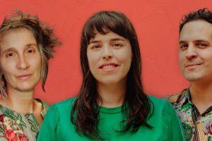 Alejandro y Maria Laura y Andrea Echeverri, vocalista de Aterciopelados, se unen en una canción para subir los ánimos en tiempos difíciles