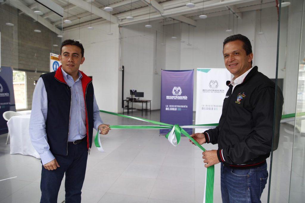 Registrador Nacional, Alexander Vega Rocha inauguró dos nuevas sedes de la entidad en Soacha